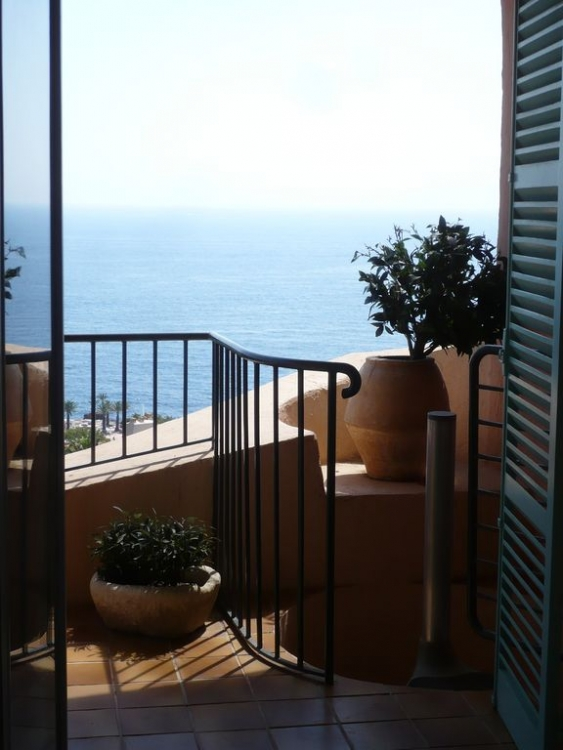 3 Bedroom Duplex Apartment in Théoule-sur-Mer - Direct Sea access, Superb Views