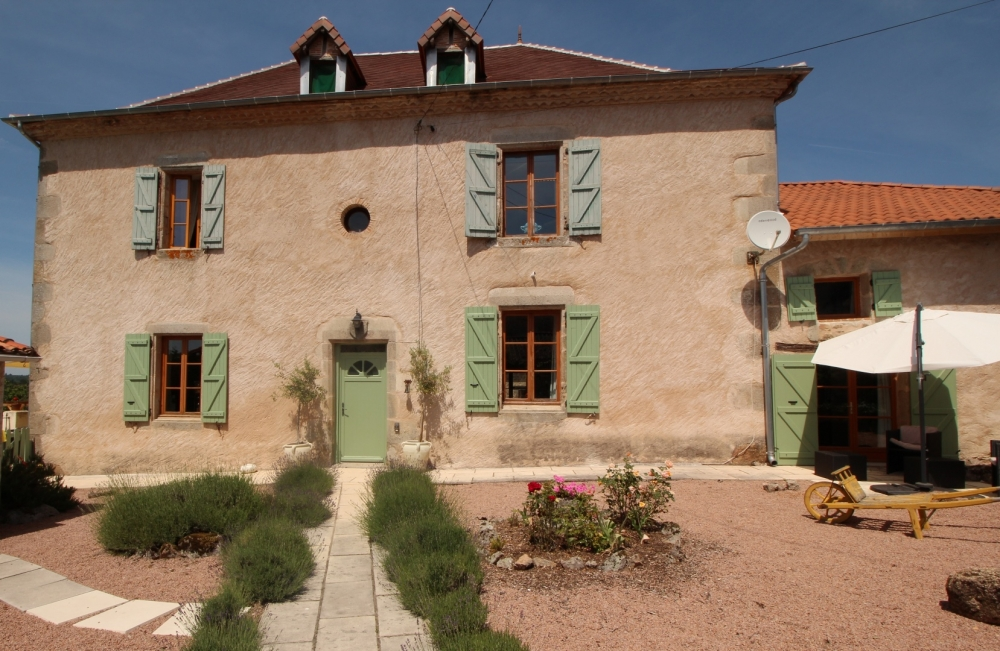 Charming Maison Bourgeoise With Heated Pool In Abjat-sur-Bandiat, Limousin-Perigord National Park