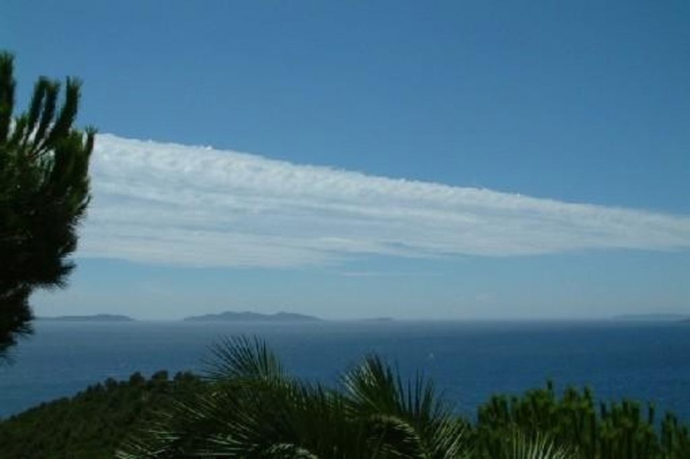 Rayol Canadel Self Catering Studio Apartment, Stunning Views of Sea and Islands