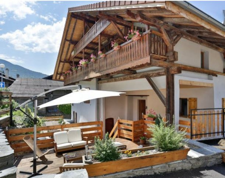 4 Star Luxury Macot-la-Plagne Apartment in a beautiful Savoyard Chalet