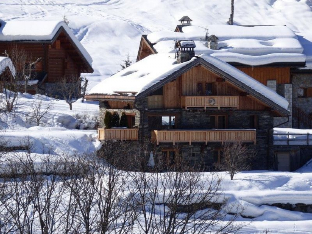 Spacious Savoyard Chalet in Méribel, Accommodating 10 to 12 people