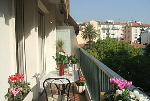 Luxury holiday apartment to rent in the heart of Nice, Provence