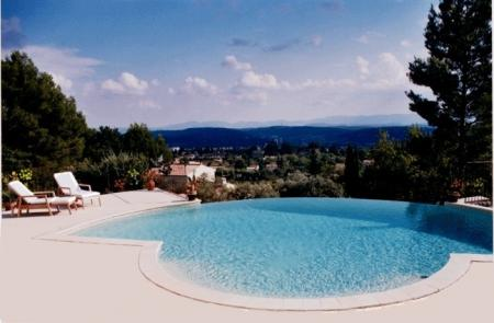 Provence Gite Rental with infinity pool to rent in Lorgues, Var, France