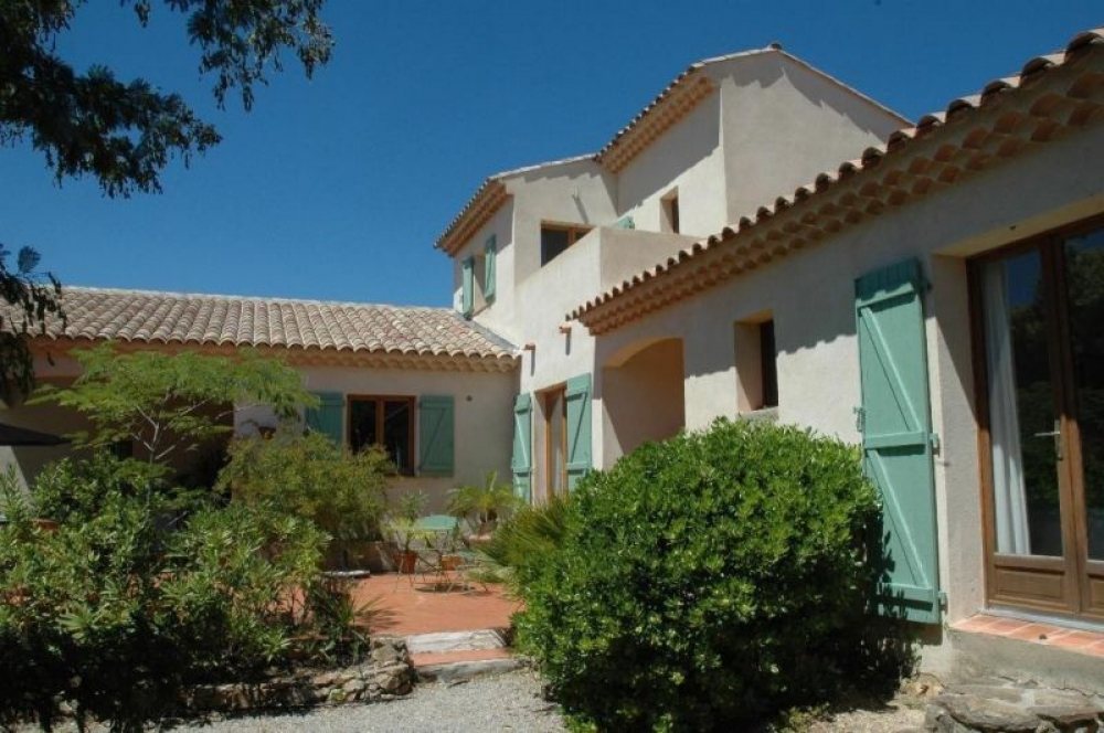 Comfortable Hilltop Villa with Private Pool near St.Tropez and Ste.Maxime, Cote d'Azur