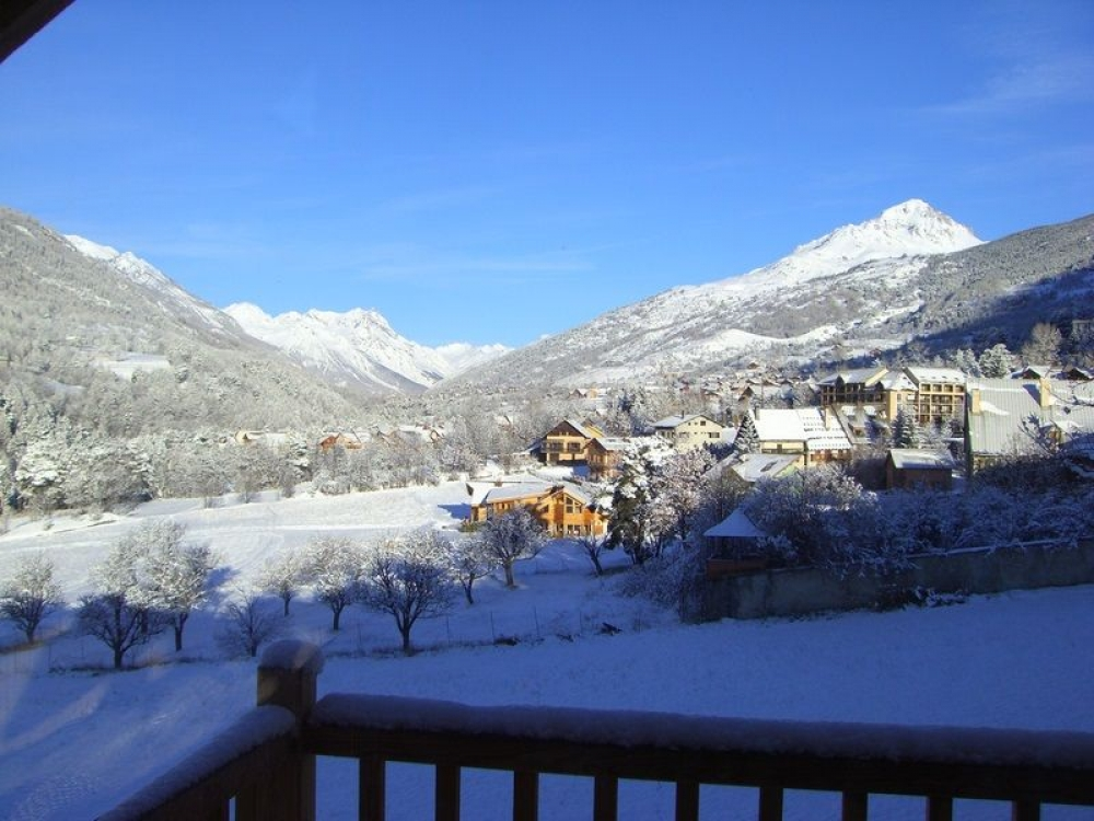 Beautiful and Spacious Duplex Apartment in Chalet Briancon, Cote d`Azur