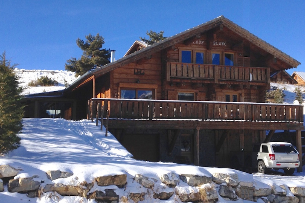 Chalet Loup Blanc - A Beautiful Chalet in the Southern Alps for 14 people