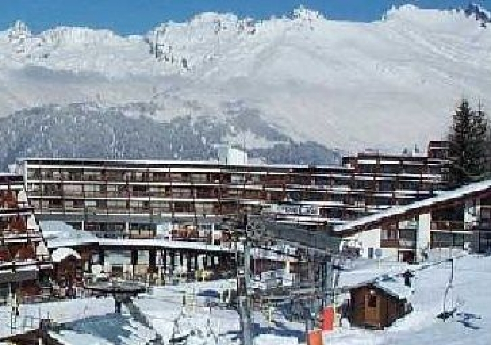 Studio Apartment in Les Arcs - South Facing Terrace, Near Ski Slopes and Lifts