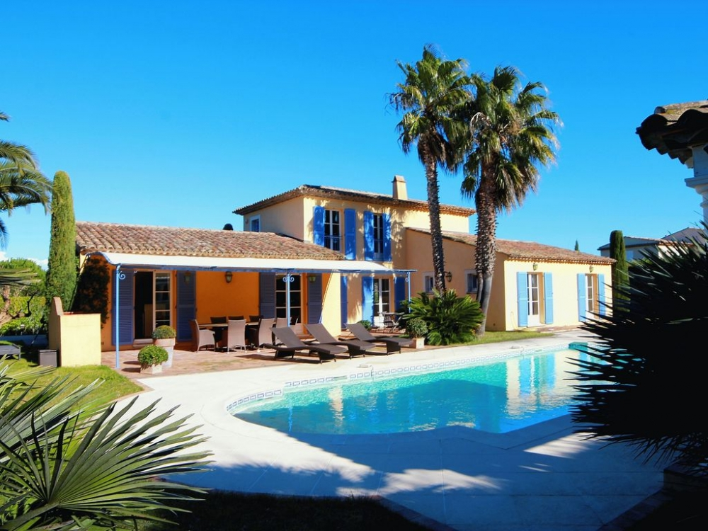 Beautiful 4 Bedroom Villa with Private Pool Just a Short Walk to Saint-Tropez
