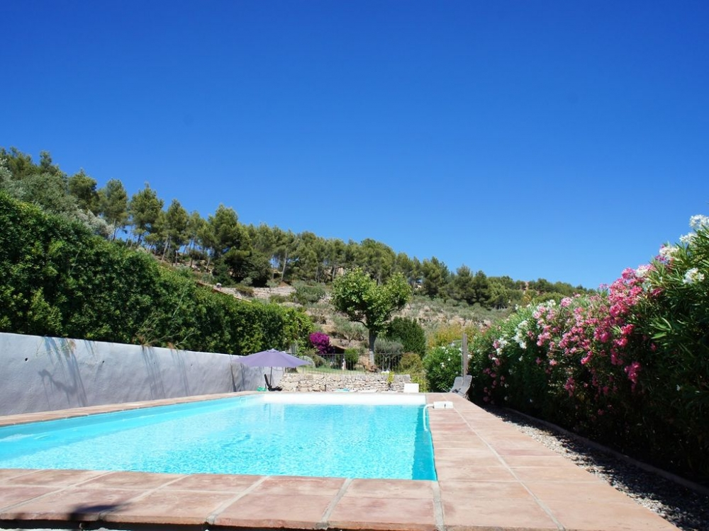 Pretty Sanary Sur Mer House with Pool Set between Vineyards And Olive Trees, The French Riviera