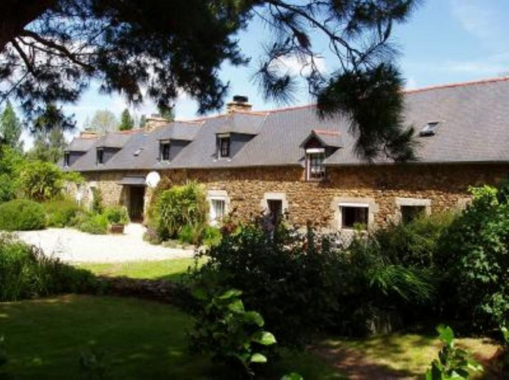 Country Cottage in Brittany, Located in a small hamlet, 15km From the Sea