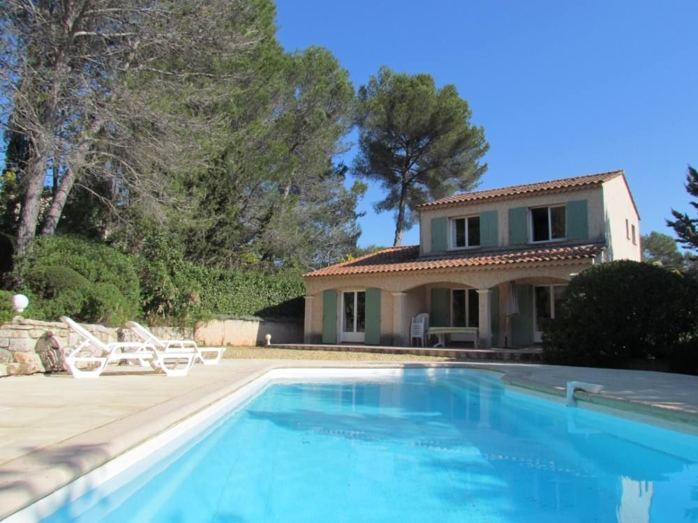 Charming and Peaceful Villa with Heated Pool in Roquebrune-sur-Argens, Var