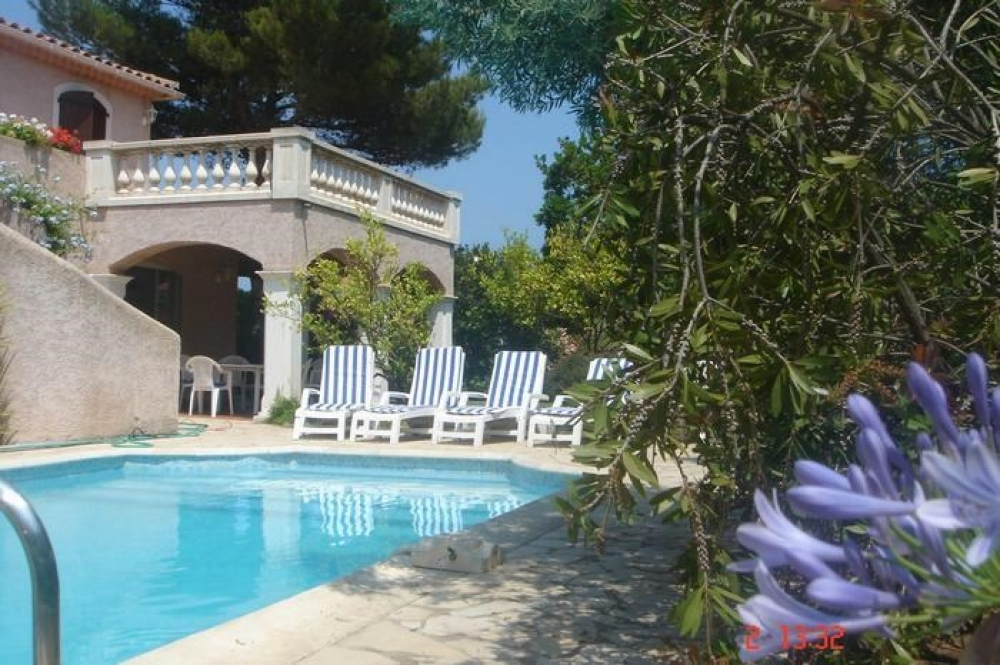 Beautiful and Spacious Frejus Seafront Villa, 400m From The Beach - Var, Provence