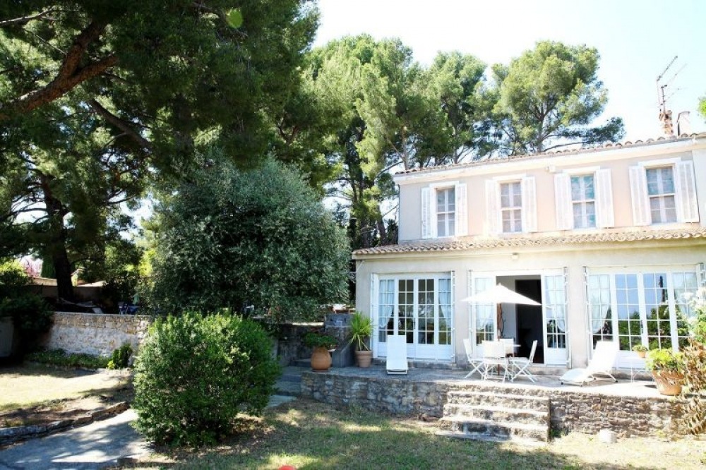 Spectacular Charming House By The Sea and Beach - La Ciotat, Cote d`Azur