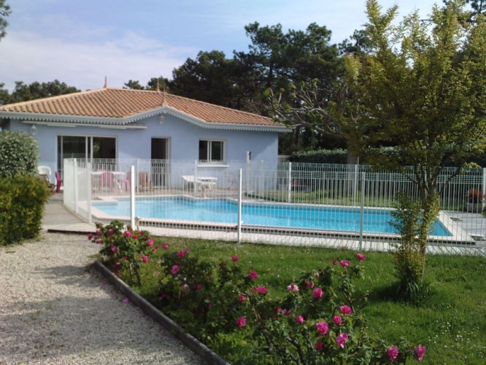 Lovely Sea Front Villa With Private Pool and Jacuzzi in Cap Ferret, Gironde, Aquitaine