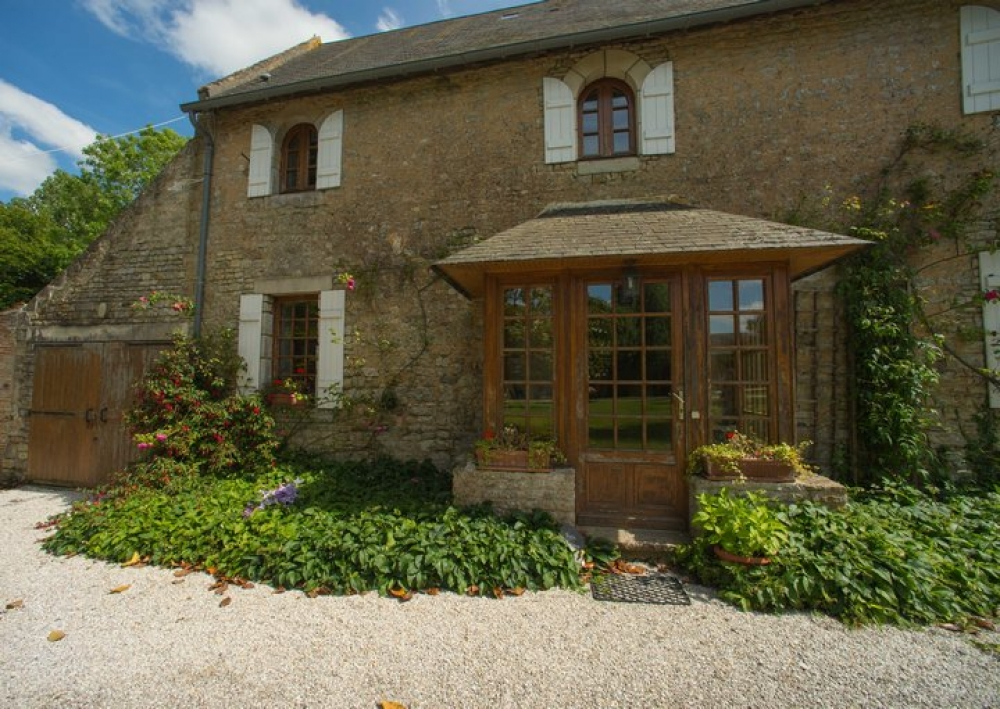 Rose Cottage - A Charming Converted Cottage at Chateau de Monfreville, Normandy
