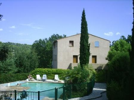 Provence Holiday Apartment Rental with Shared Pool, Cotignac, France