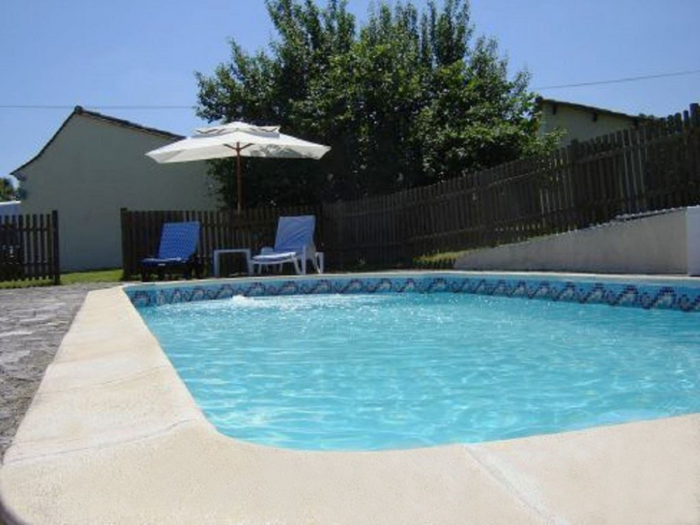Superb Holiday Gite with Pool and Fishing Lake in Saint-Remy, Dordogne - La Bidonne Gite