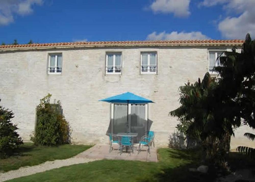 Les Gites du Marais Guyot in Villedoux near La Rochelle - Gite L'Ile