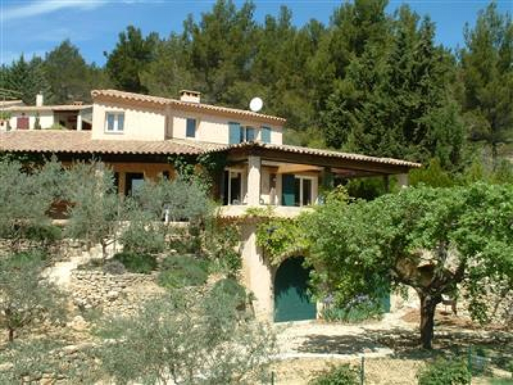 Beautiful and Bright Holiday Villa in the heart of the Luberon, Provence