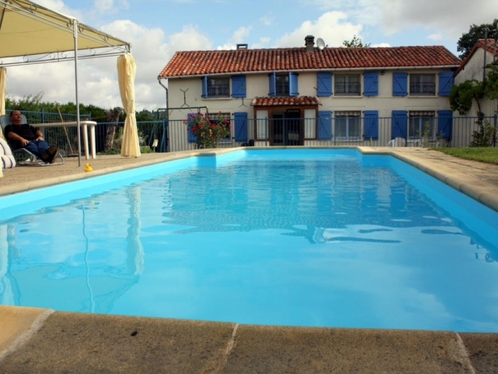 La Lodge - Farmhouse Holiday Rental In St Gervais, Charente