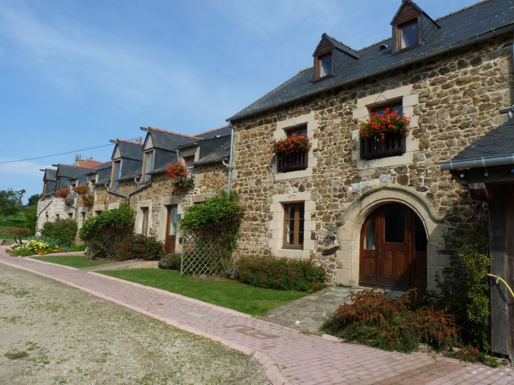 Luxury Gite with Indoor Pool at La Julerie in Corseul, Côtes-d'Armor, Brittany - Le Grenier