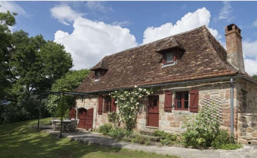 2 Bedroom Holiday Cottage 3 Km from Curemonte, Beaulieu sur Dordogne - Fleuret Cottage