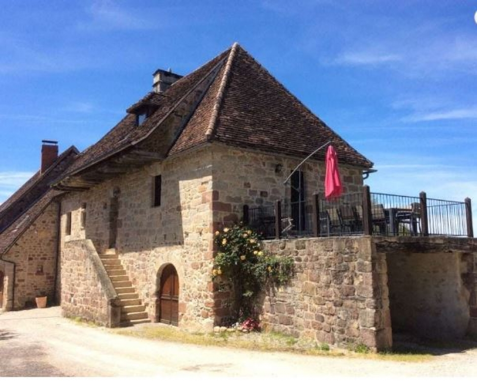 6 Bedroom House with Views of the Medieval village of Curemonte, Limousin - Fleuret House