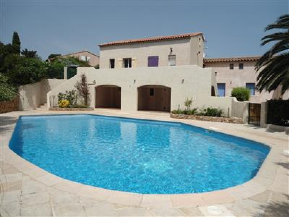Villa with Sea Views Located Outside St Aygulf, Var - Le Chat Bleu