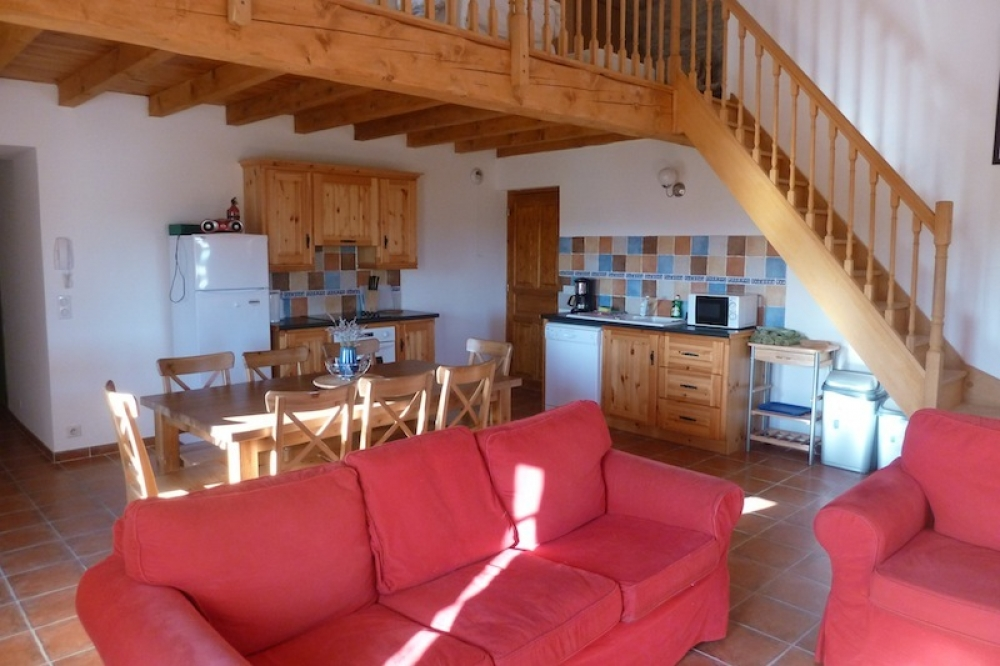 Self Catering Apartment in Canaules-et-Argentieres, Gard - Apartment Olive
