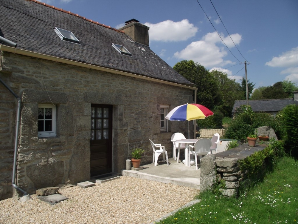 Cosy Brittany Holiday Cottage - In Peaceful Hamlet Of Coz Castel Near Huelgoat