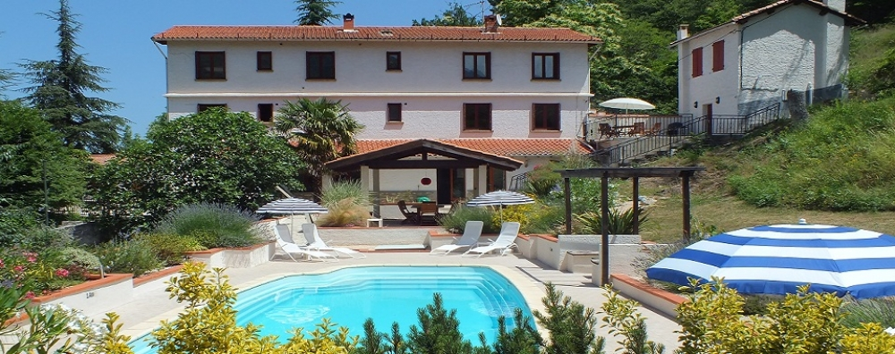 Fantastic Holiday Accommodation For up to 28 People in the Heart of the Pyrénées, France