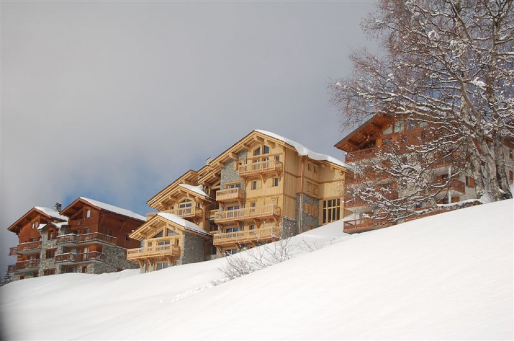 Beautiful Chalet Apartment in La Rosiere 1850, Exceptional views of the Tarentaise Valley