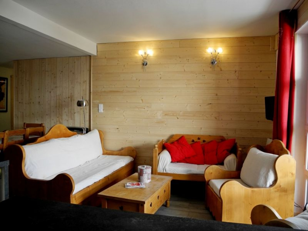 Beautiful Apartment in Les Deux Alpes, 150M from Lifts of the Vallée Blanche and Belle-Etoile