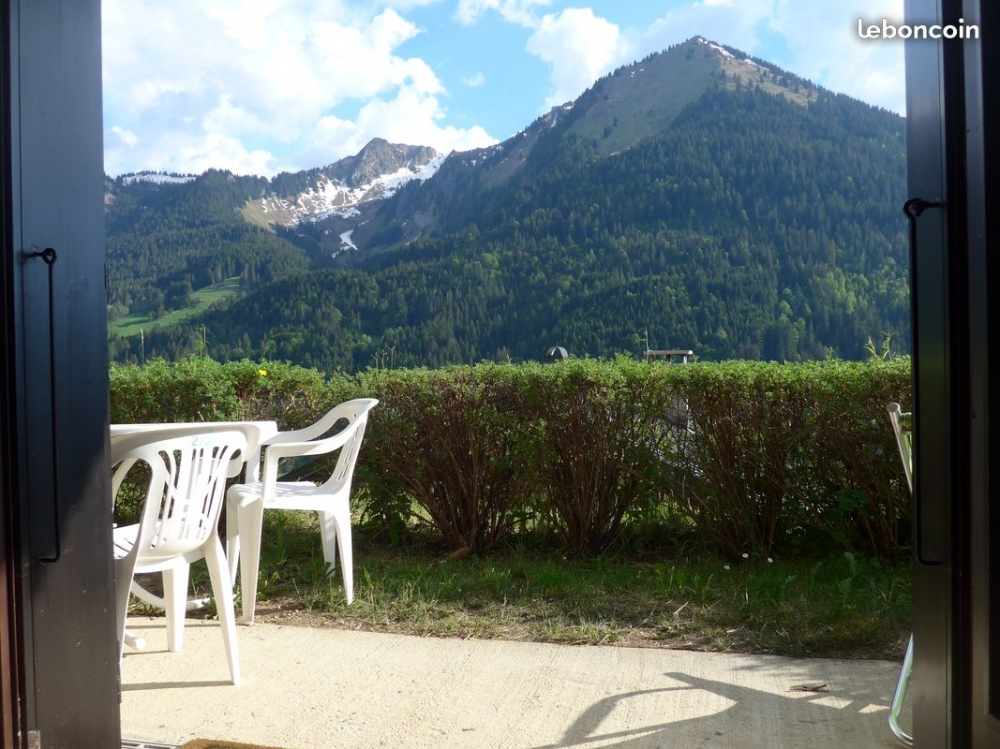 Beautiful Apartment for Eight People in La Chapelle-D'Abondance