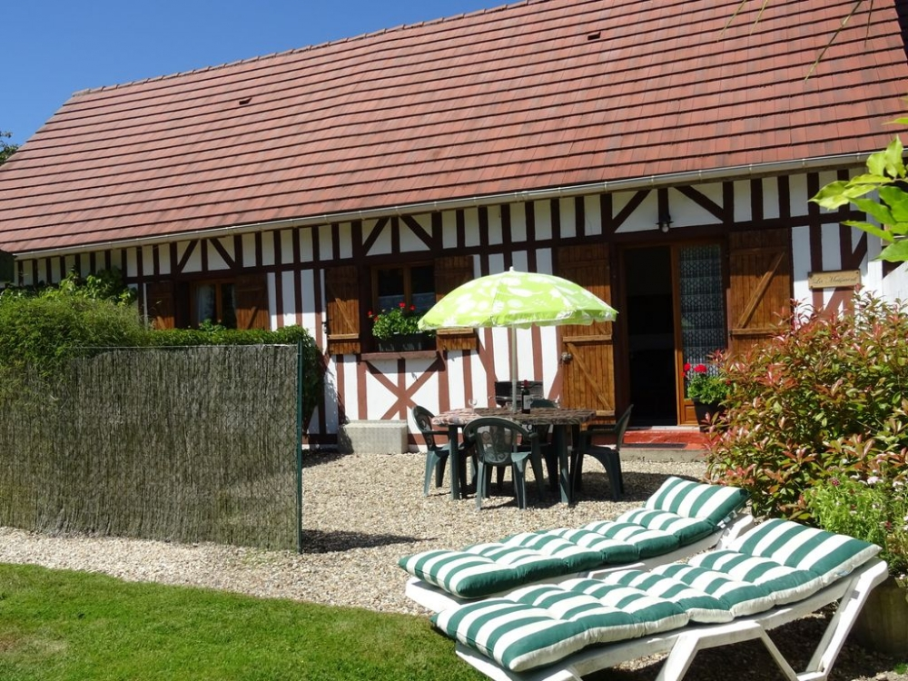 Beautiful, Comfortable Normandy Style Cottage, Ideal For Couples and Families - La MAISMENT