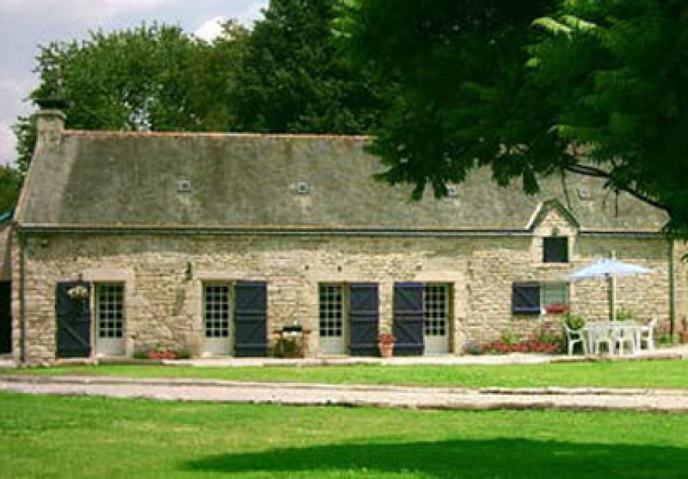Beautifully Restored Bonne Chere Cottage in Morbihan for 4/6 Persons Plus Baby