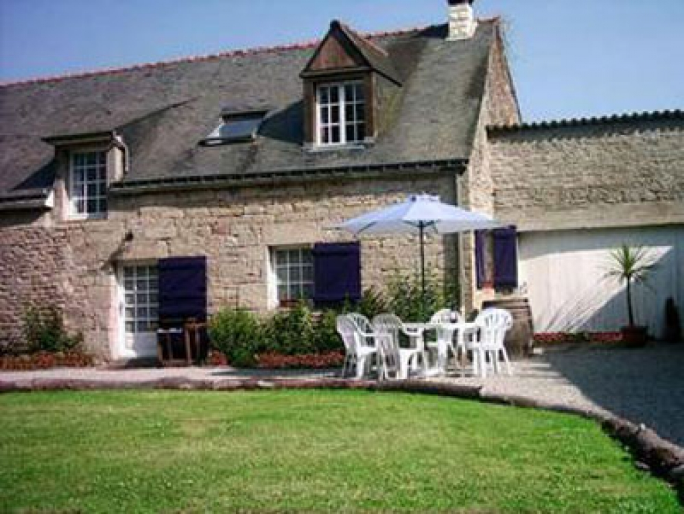 Beautifully Restored La Fretu Cottage in Morbihan for 6 Persons Plus Baby
