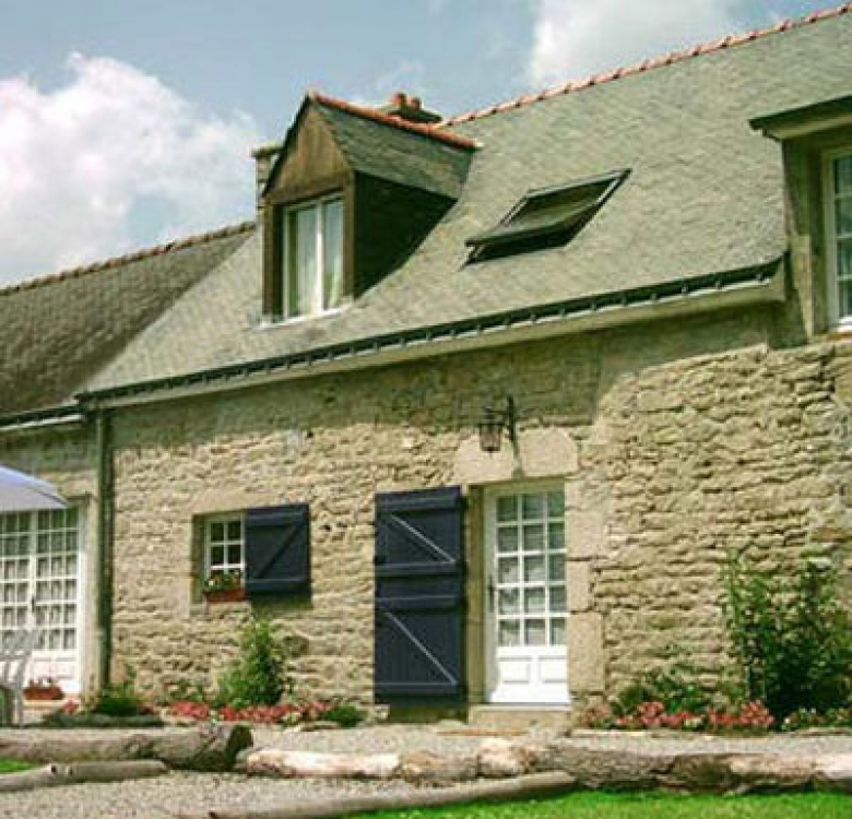 Beautifully Restored La Sarre Cottage in Morbihan for 6 Persons Plus Baby