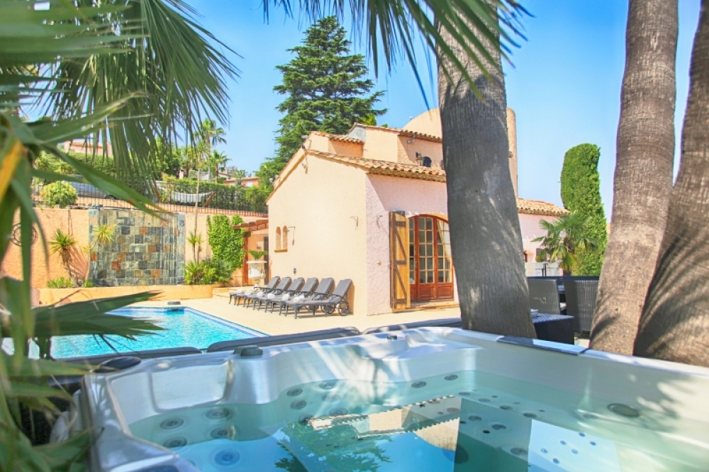 Luxury Villa with Private Pool in Théoule sur Mer, Alpes Maritimes, 10 Mins from Cannes