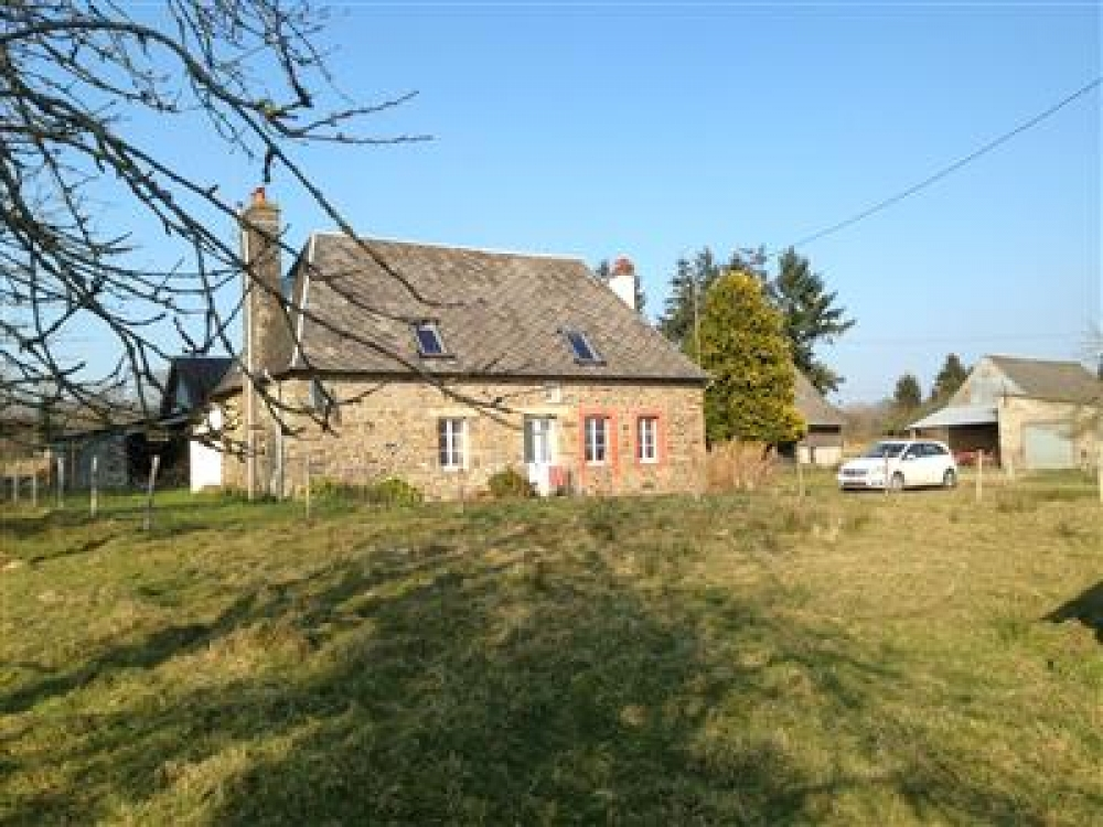 Attractive Normandy Farmhouse in Beautiful Countryside, Ideal for Mont St Michel and Beaches
