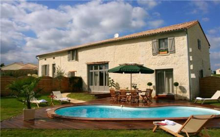 Fifteen Charente Self Catering Houses to Rent with Private Pools in Aubeterre sur Dronne, France