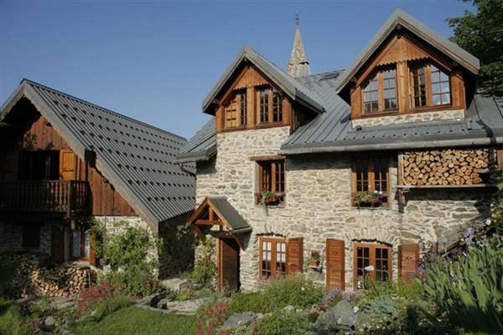 """Le Florineige"" is a beautiful charming Bed and Breakfast rooms near the ski resort of Alpe d'Huez"