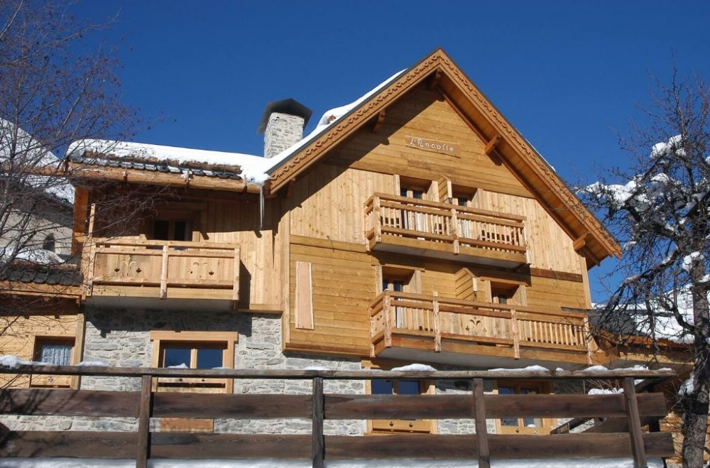 Upscale boutique cottage L'Ancolie with Spa and 7 bedrooms near the ski resort of Alpe d'huez