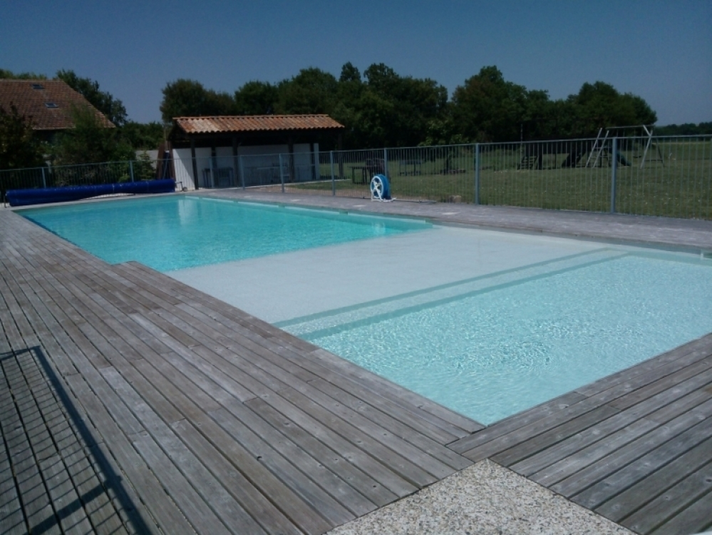 Lovely Charente-Maritime Cottage with Heated Pool in Gibourne - LOGIS