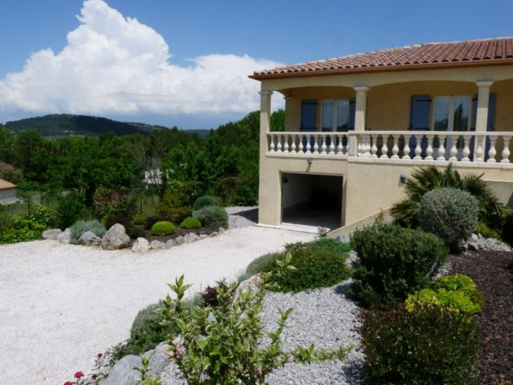 Les Deux Cypres - Luxury Villa with Heated Pool in St Laurent De La Cabrerisse, South of France