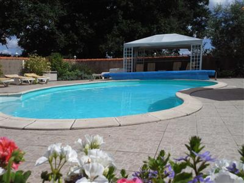 La Petite Perriere - 3 Bedroom Family Holiday Gite in Clere sur Layon, Near Saumur