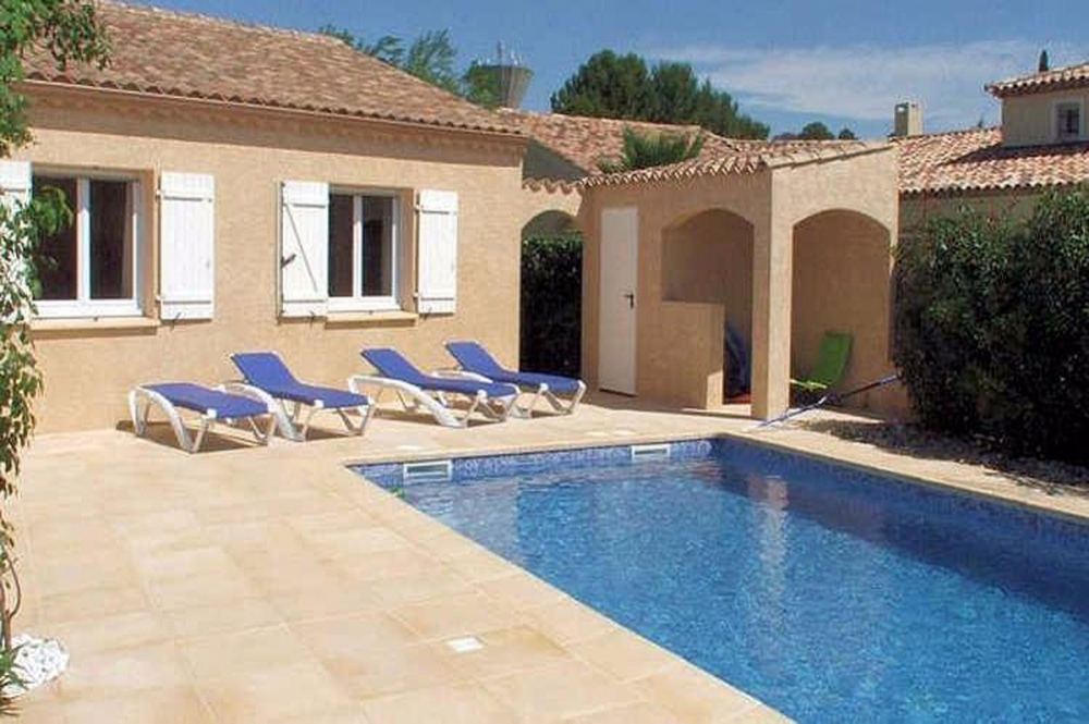 Villa Fontaine Pezenas, Air-conditioned, Private Pool and Walking Distance into Pezenas town with restaurants, cafes and