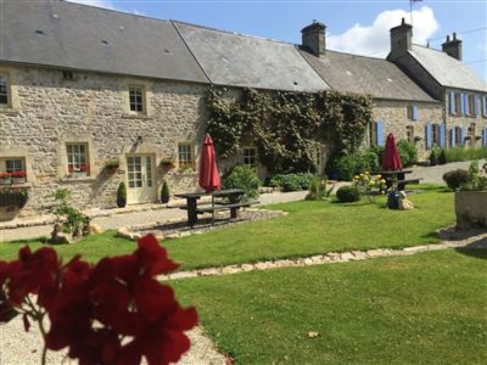 Self Catering Gite Near Bricquebec, Manche, Normandy - Kestrel Gite Sleeps 4