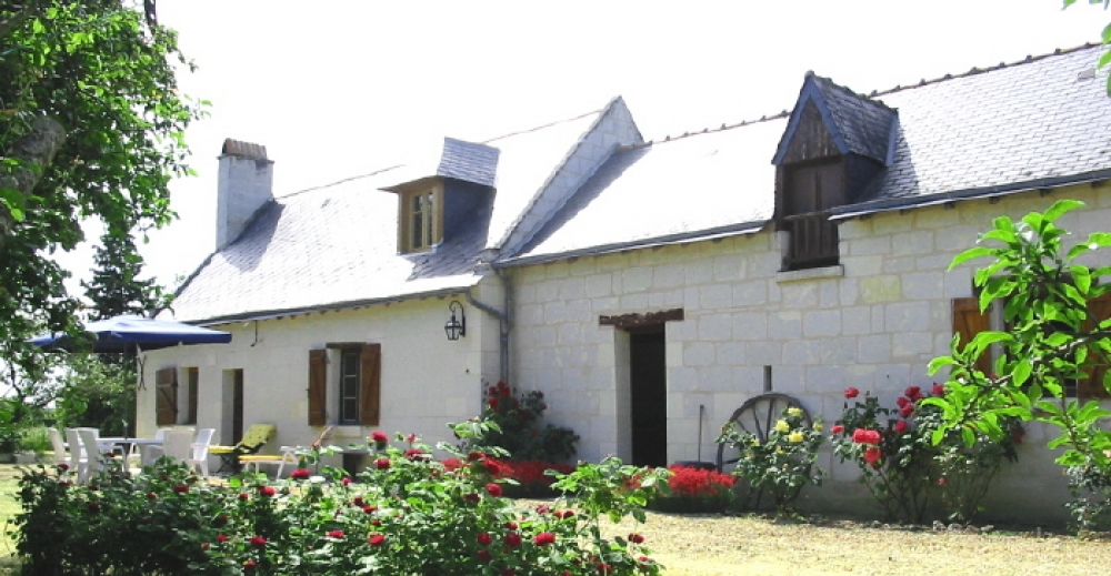 Charming Old Farmhouse, 10 Minutes from Saumur - Sleeps 6-8 People