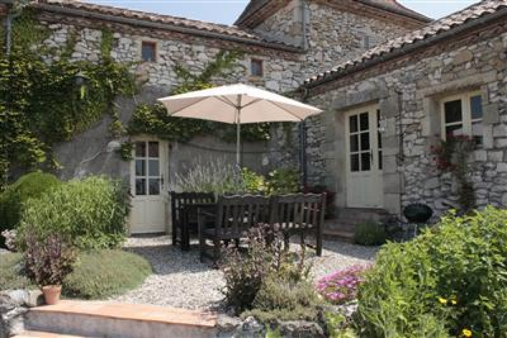 Stunning Detached French Stone House in Lot-et-Garonne, Near Monflanquin - Pigeonnaire